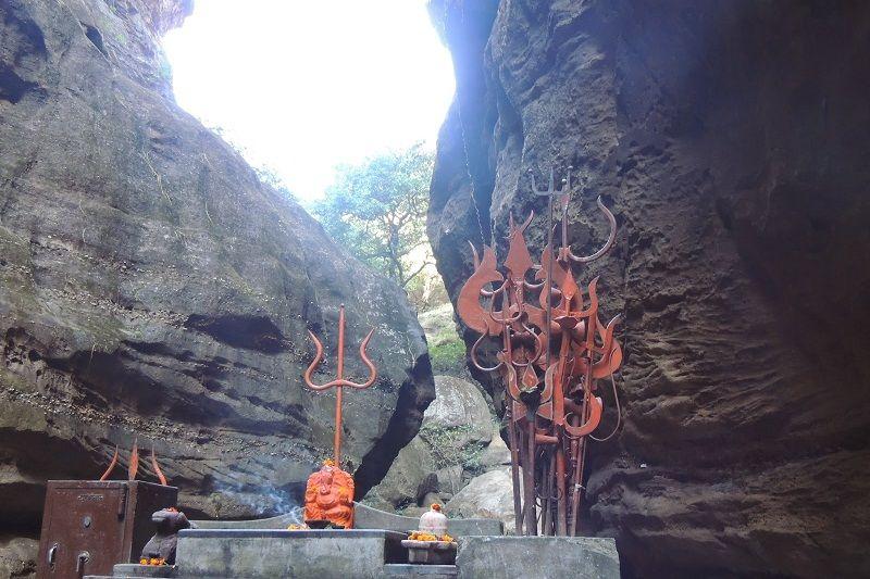 jata shankar caves 3