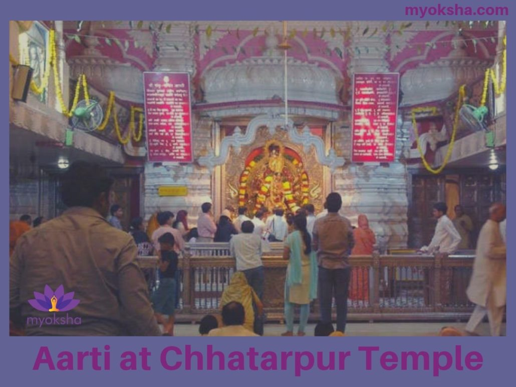 Aarti at Chhatarpur Temple